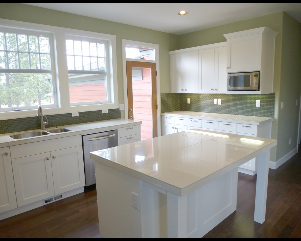 Bend Oregon West Side new homes Skylight Homebuilders Northwest Crossing kitchen