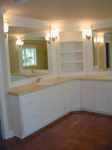 Skylight-Homebuilders-Bend-Oregon-Bathroom-mirrors